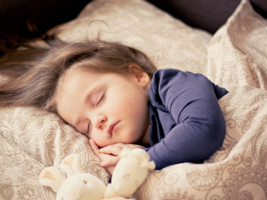 小児の睡眠と発達の関係。良くも悪くも影響がたくさん!