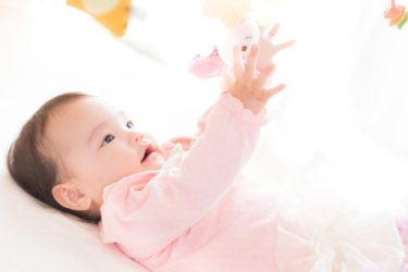 生後4ヶ月の赤ちゃん、寝かしつけに大切な事とは?