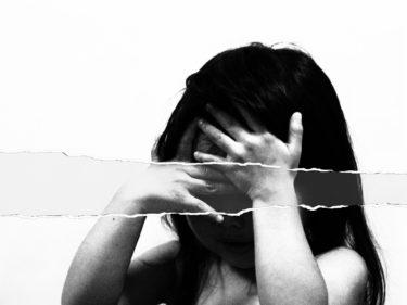 なぜ子供に暴力をふるう親がいるのか?トラウマが原因?