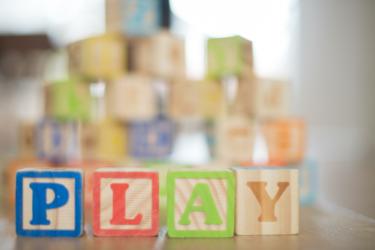 5か月の赤ちゃんへのおもちゃは、知育に役立つ物を選ぼう!