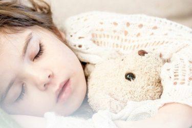 子どもの眠りは成長への道⁉寝ることの大切さとリズムの作り方